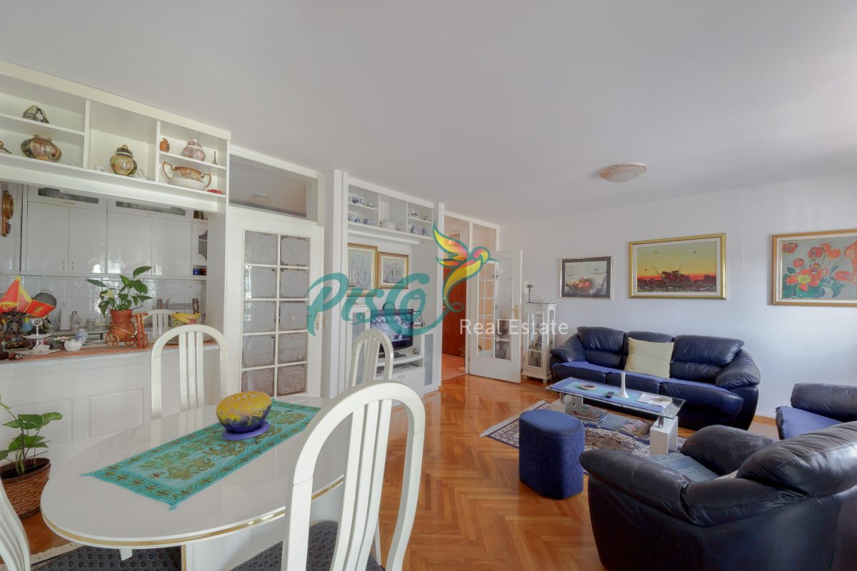 We highly recommend the apartment, Vektra 85m2 building