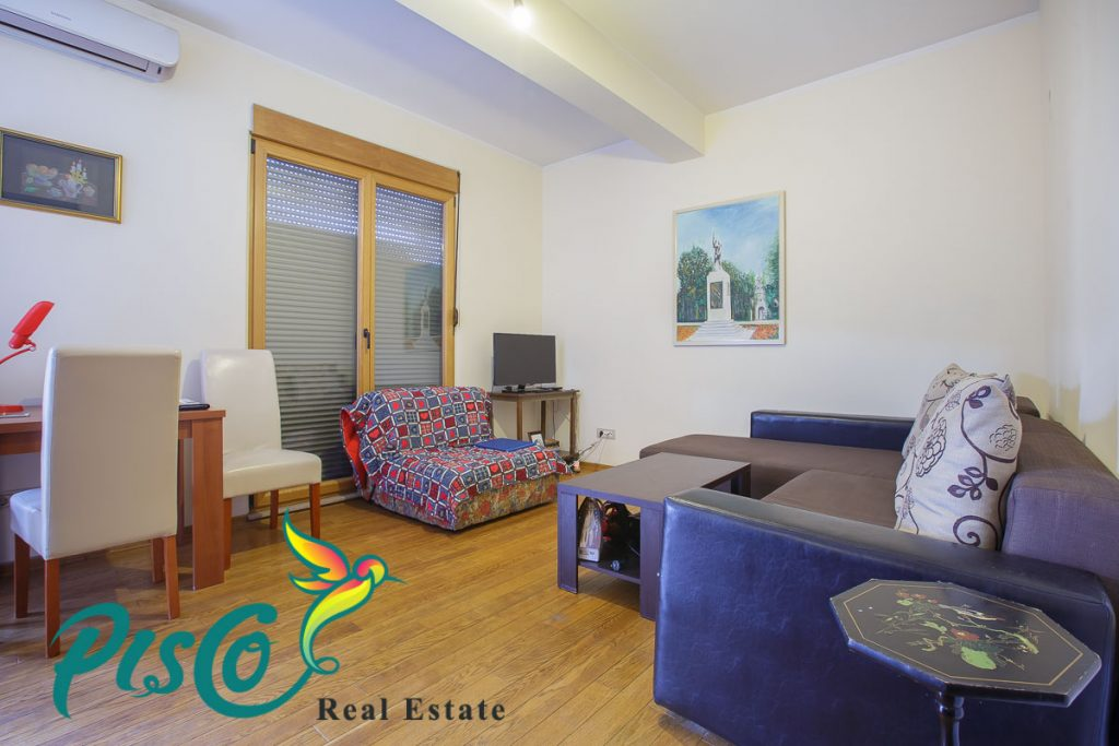 Functionally furnished studio apartment for sale