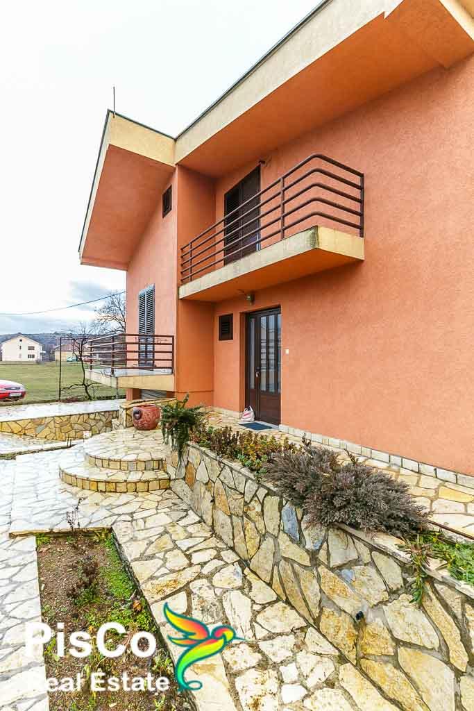 Velika Prostrana Kuća u Gornjoj Gorici – Izdavanje Kuća