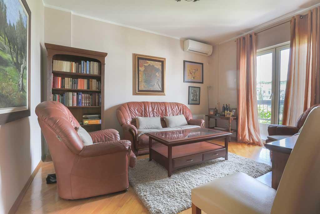 Nudimo na prodaju dvosoban renoviran stan preko Morače