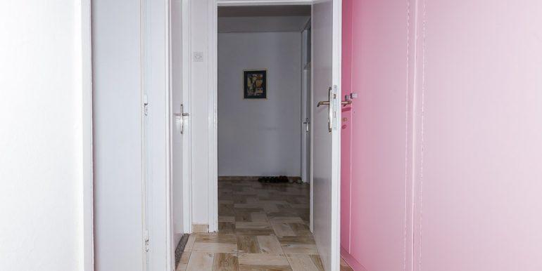 Dvosoban stan kod Gintaša - Prodaja stanova Podgorica-5