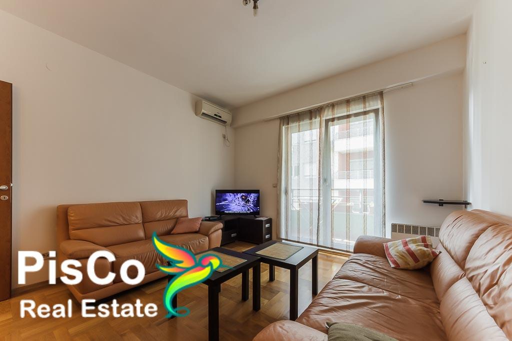 Two bedroom apartment building Benetonka   Renting Podgorica