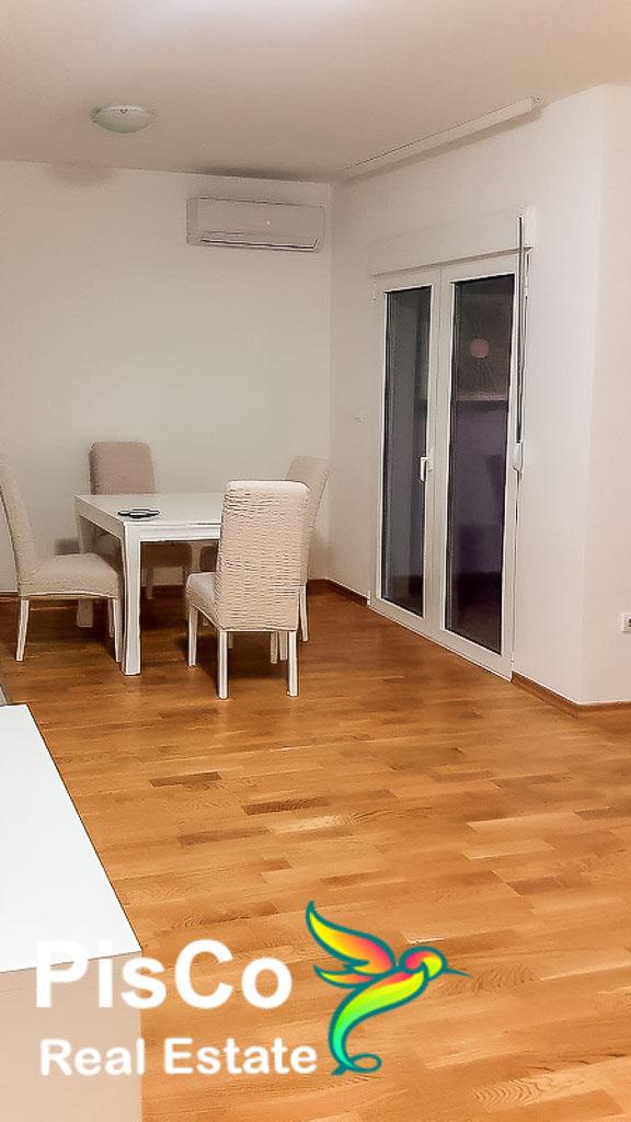 Izdaje se lux dvosoban stan u Bloku 9 | Podgorica
