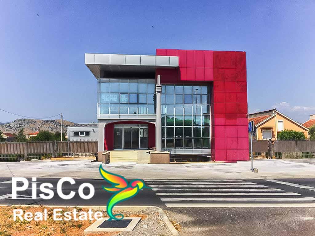 Izdaje se poslovna zgrada u Zeti   Podgorica