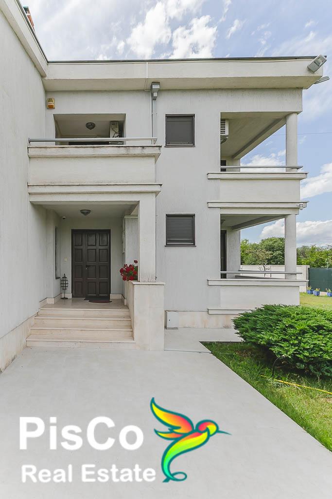 Velika otmena kuća u Donjoj  Gorici   Prodaja