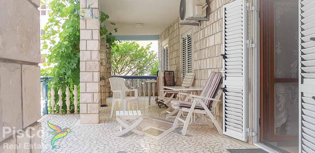 House for sale 370m2 near beach   Budva