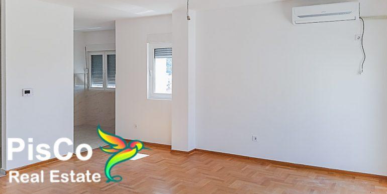 Prodaja apartmana Budva (9 of 13)