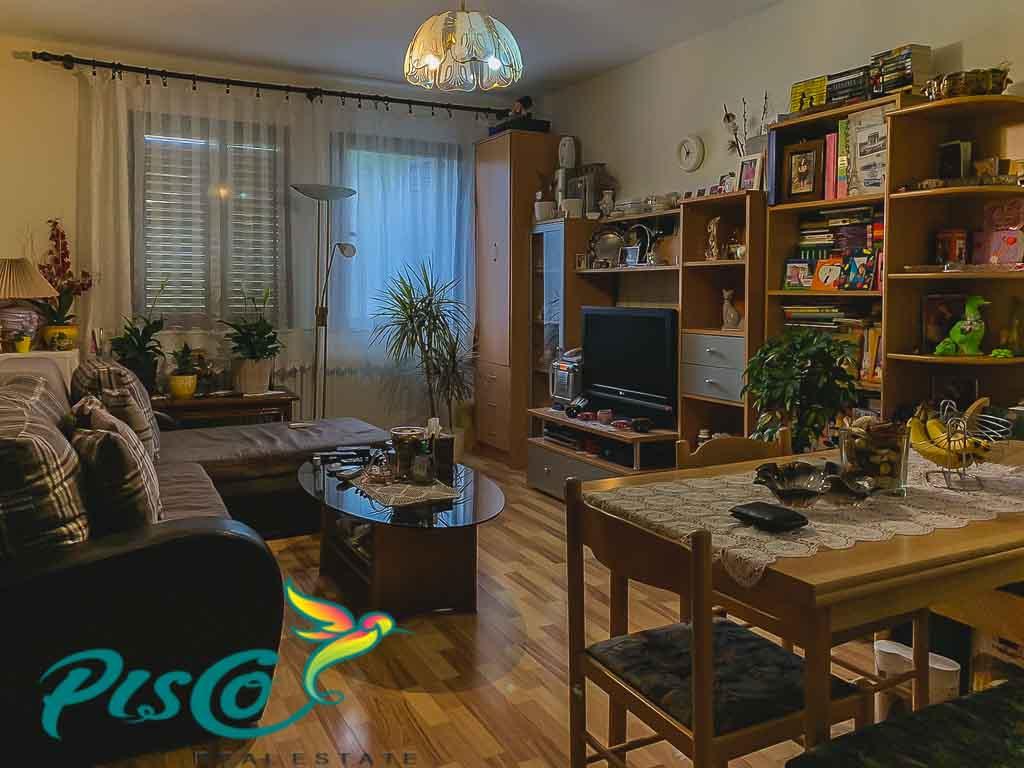 Prodaje se dvosoban stan u Tivtu