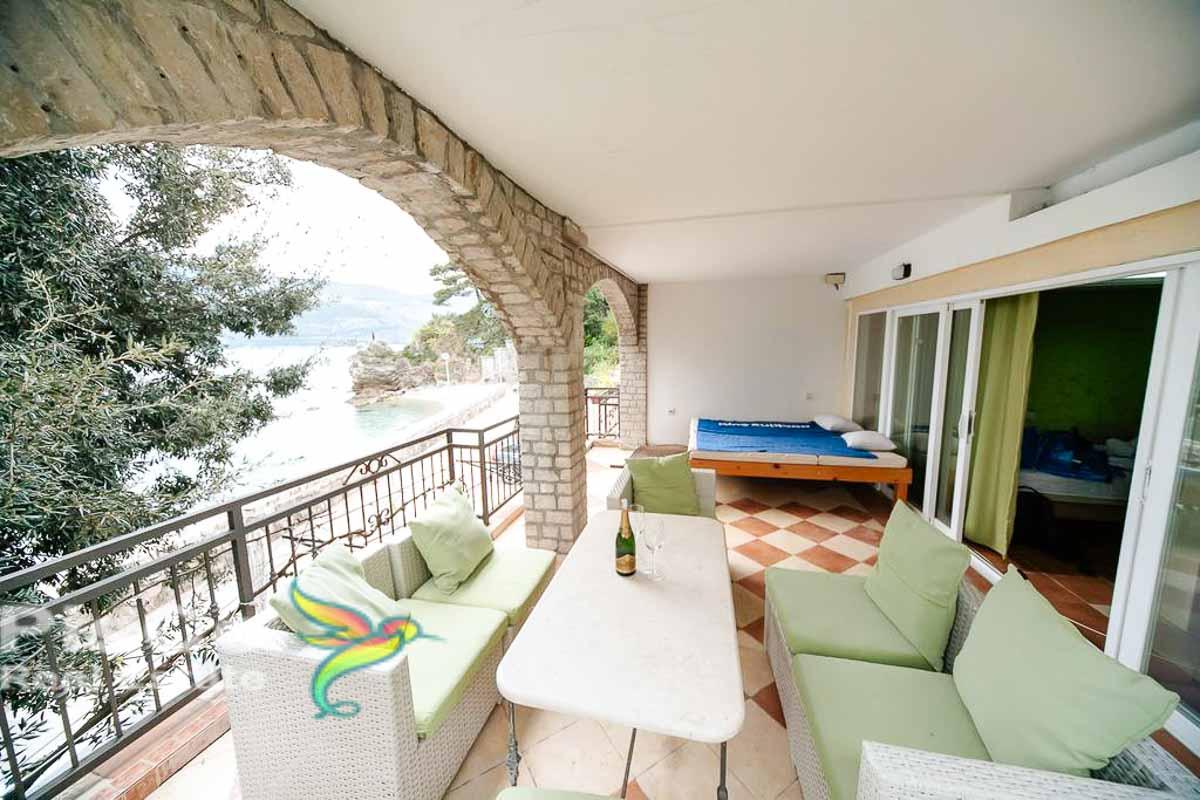 Prodaje se jednosoban stan na obali mora – Herceg Novi