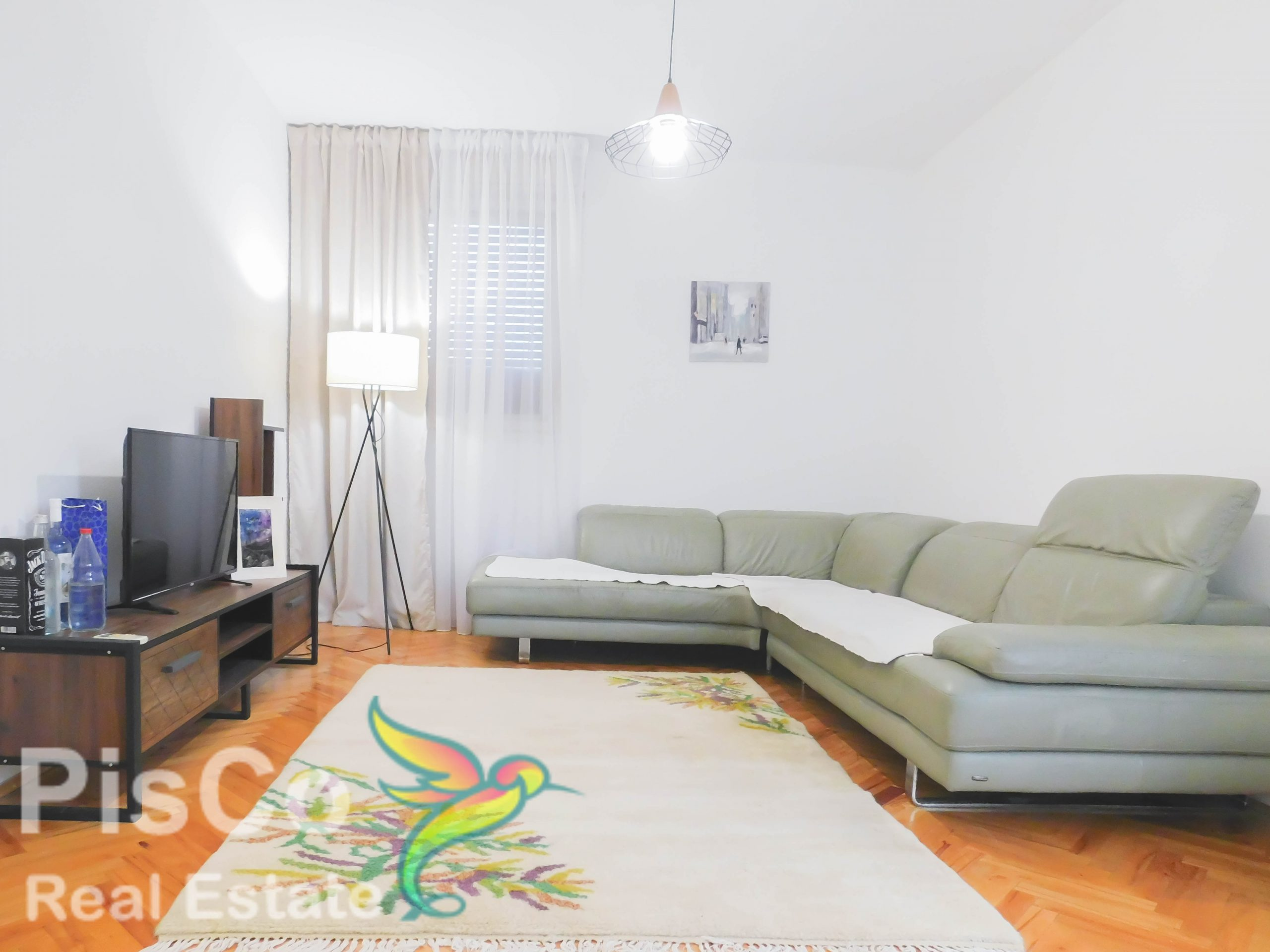 A two-bedroom apartment is rented at 5:00 | podgorica