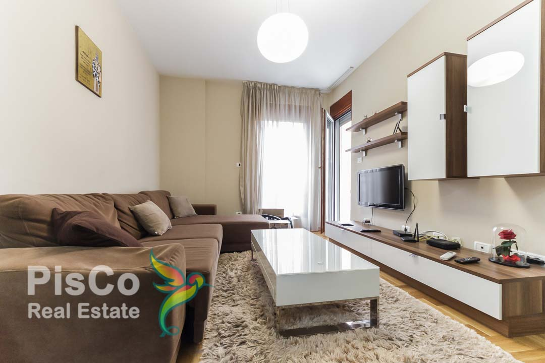Lux one bedroom apartment for rent in ul. July 4   Podgorica