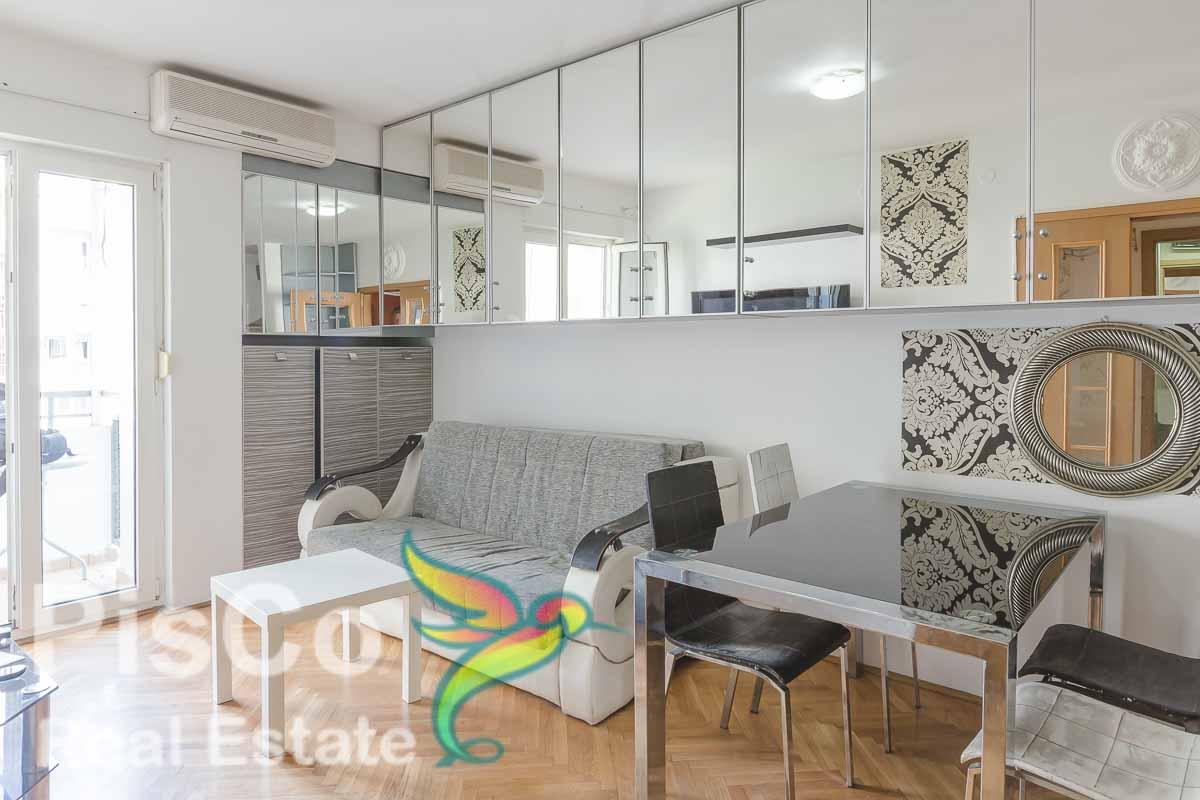 Na prodaju Namješten Jednosoban stan u Bloku 6 36m2