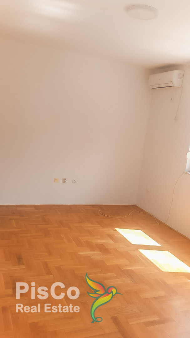 A one-bedroom vacant apartment is rented across the Moraca | podgorica
