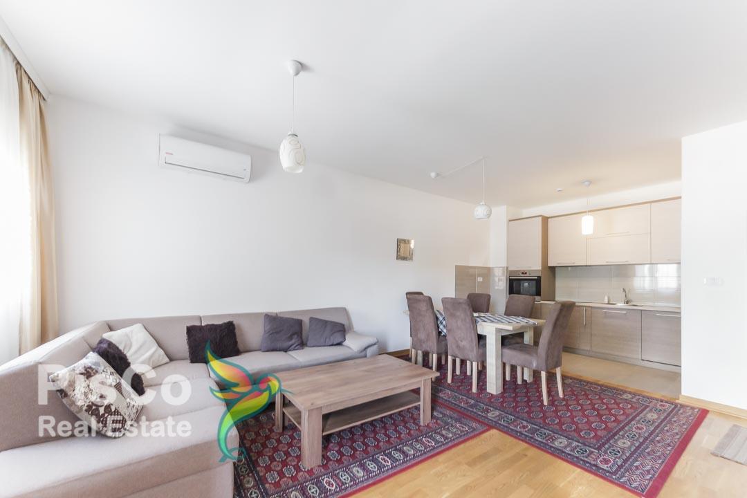 Izdaje se lijepo opremljen dvosoban stan u City Kvartu