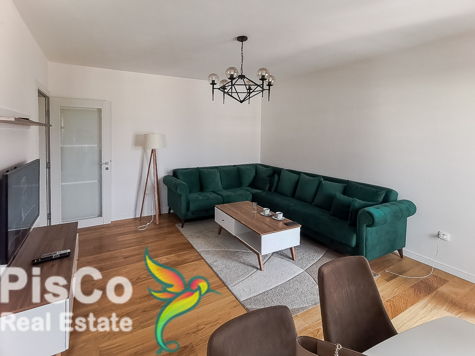 Lux two-bedroom apartment in Central Point + garage