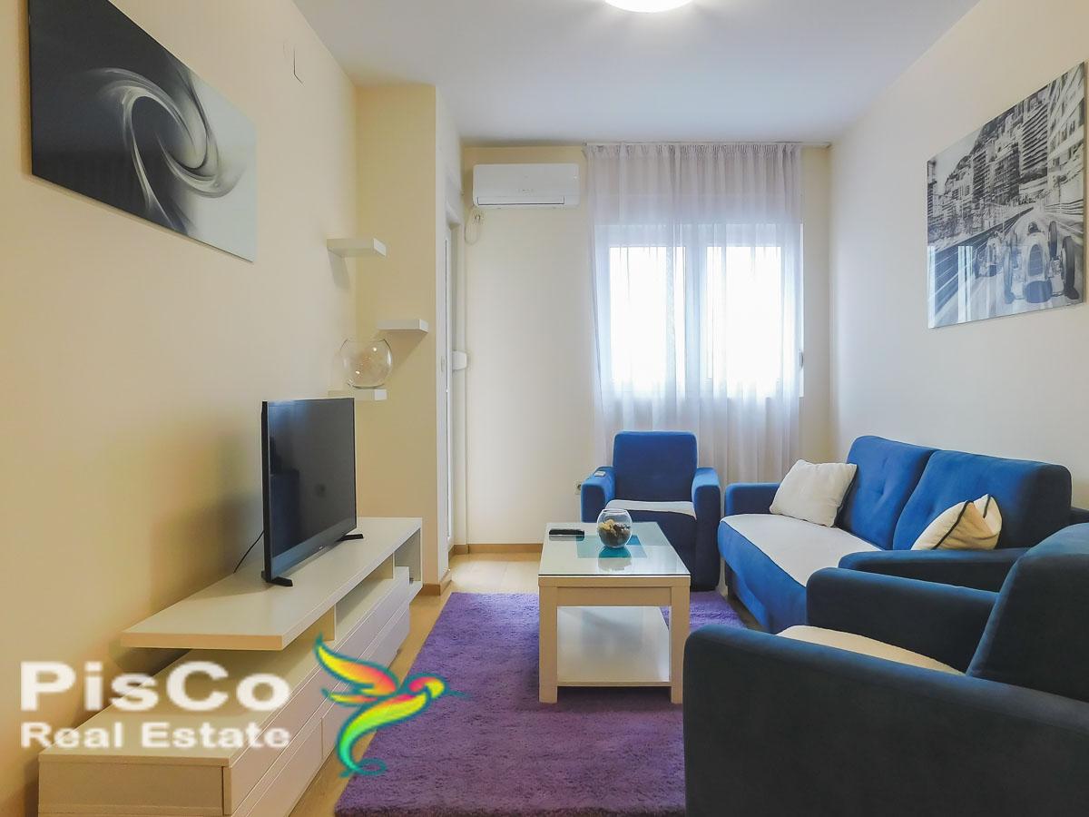 Izdaje se jednosoban lux stan u City Kvartu + garažno mjesto | Podgorica