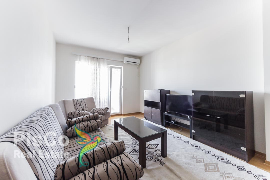 Izdaje se jednosoban stan u zgradi zeta-gradnje Blok 6 | Podgorica