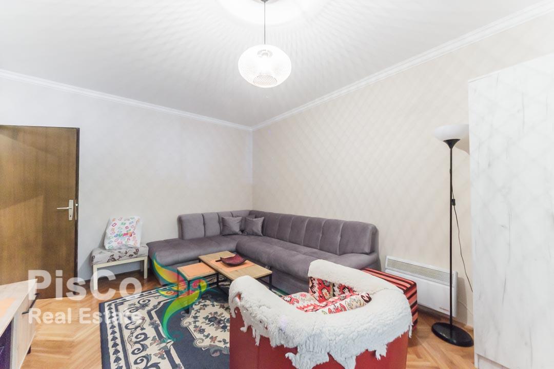 Izdaje se dvosoban stan u Bloku 6 kod Ruskih kula | Podgorica
