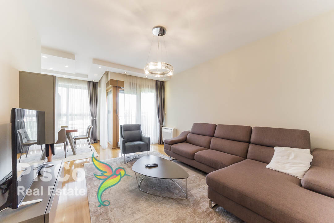 Izdaje se lux dvosoban stan + garaža kod Palade | Podgorica