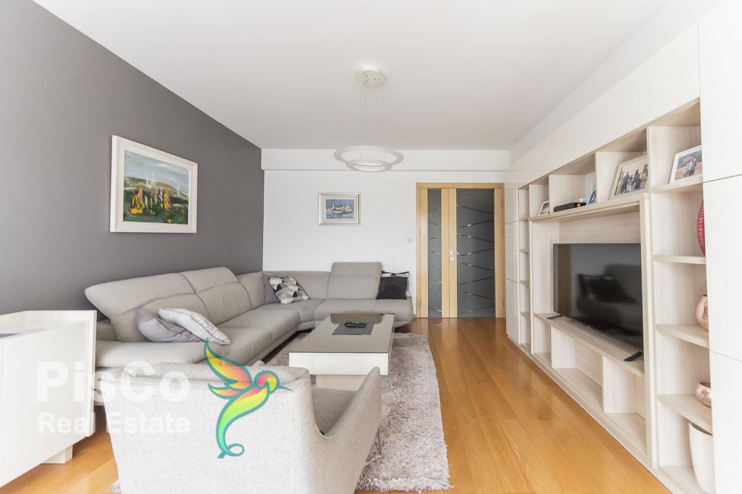 Izdaje se lux trosoban stan + garaža kod Palade | Podgorica