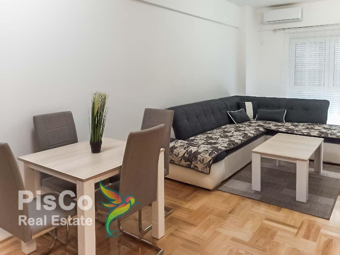Izdaje se jednosoban stan u zgradi Trudbenika | Podgorica